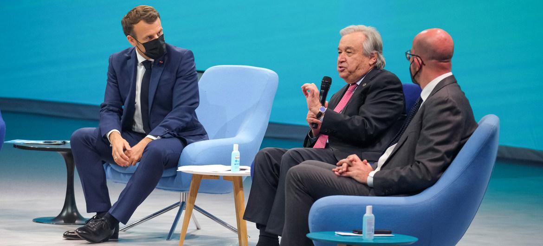 El Secretario General, António Guterre (segundo a la derecha) habla en la apertura del Foro Generación Igualdad.
