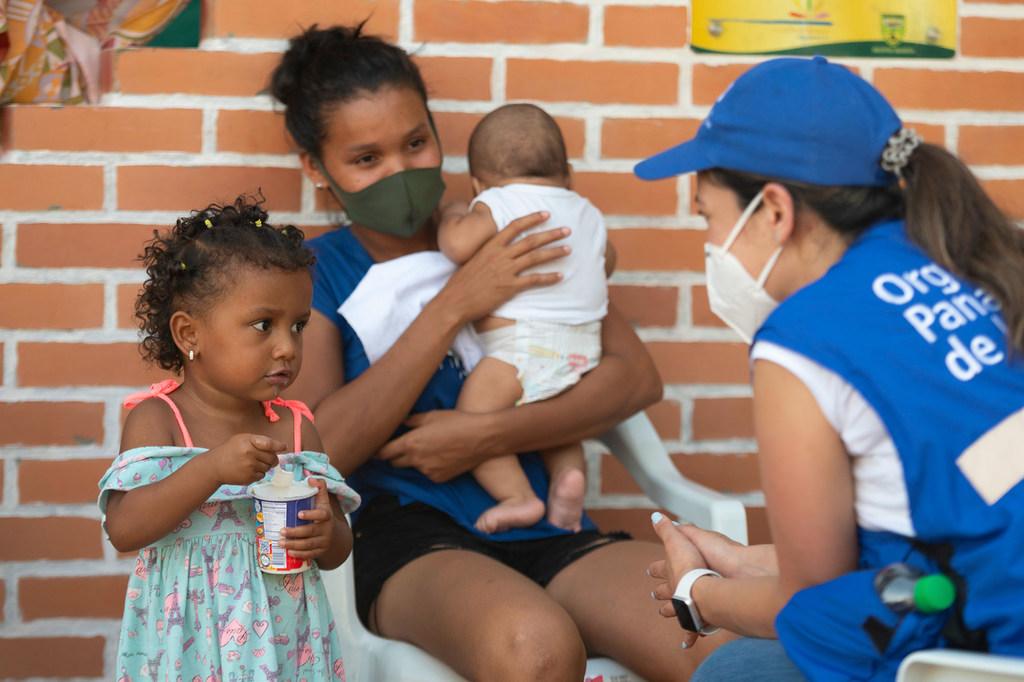 Venezolanos refugiados en Colombian reciben apoyo de la Organización Panamericana de la Salud.