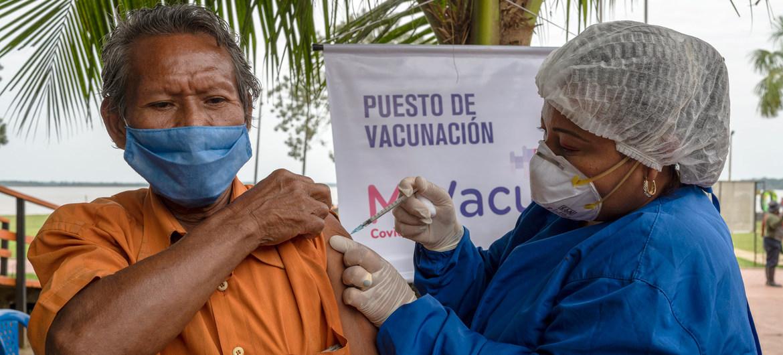 La consulta a las autoridades indígenas permite el ingreso al territorio para que cada persona, de manera libre e informada, pueda decidir si se vacuna contra el COVID-19.