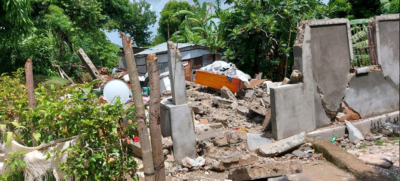 El terremoto de 7,2 grados de magnitud que asoló a Haití fue seguido por la tormenta tropical Grace, lo que aumentó la destrucción.