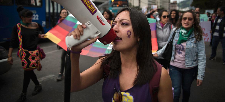 Manifestación contra la violencia de género en Ecuador.