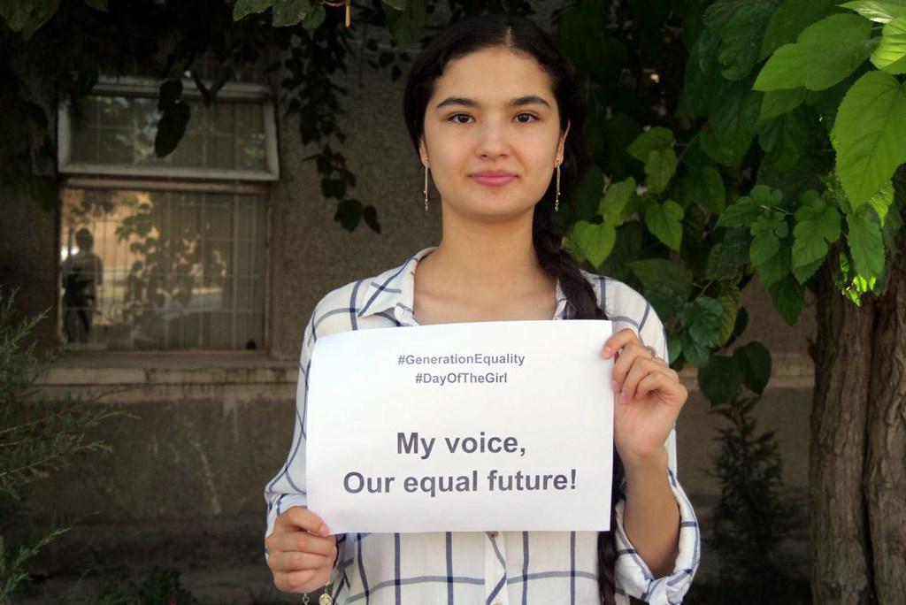 Nurjan Talibova, una programadora de 17 años de Tayikistán, espera que más niñas entren en el campo de la ciencia, tecnología, ingeniería y matemáticas..