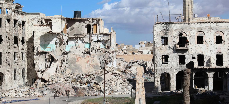 El centro de la ciudad libia de Bengazi fue destruido en los bombardeos y enfrentamientos. Noviembre de 2017.
