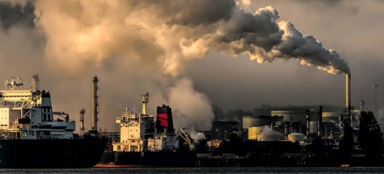 La contaminación atmosférica está relacionada con el calentamiento global y otras consecuencias perjudiciales para el medio ambiente y la salud pública